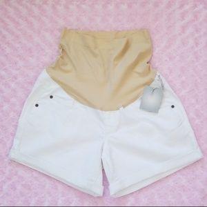 NWT 🎉HostPick🎉 Maternity White Denim Shorts